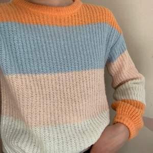 superfin stickad, fyrafärgad tröja från Cubus. 80kr+frakt