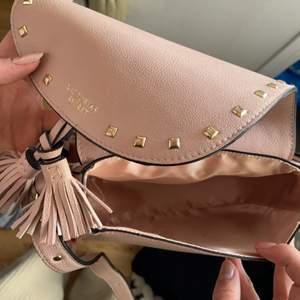 Rosa väska från Victoria secret