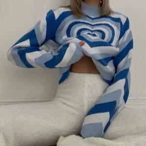 ❌LÅNAD BILD❌ säljer denna sjuuuukt sköna men framförallt fina tröjan från Cider. Tyvärr har den inte kommit till någon användning därför säljer jag den☺️ har endast testat den o tagit dessa bilder i den annars är den helt ny!!!!! buda på🥰