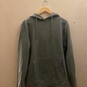 Skön hoodie med luva