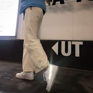 Nile AF1 med refelxmotiv! 299kr + skokostnaden eller skicka in dina skor till oss så designar vi dem för endast 299kr😊