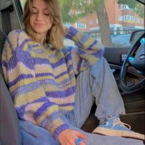 Intresse koll på denna tröja! Bilden är lånad från pinterest men har en identisk tröja :)