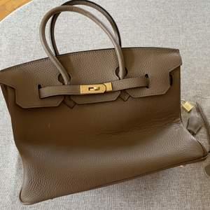Beige / grå Hermes birkin liknande väska,