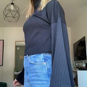 Cool tröja från ginatricot men utsvängda ärmarna