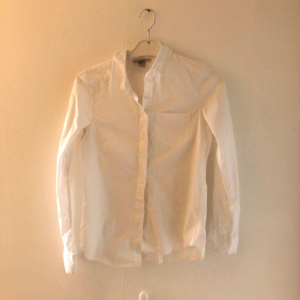Vit skjorta använd några få gånger. Skjortor.