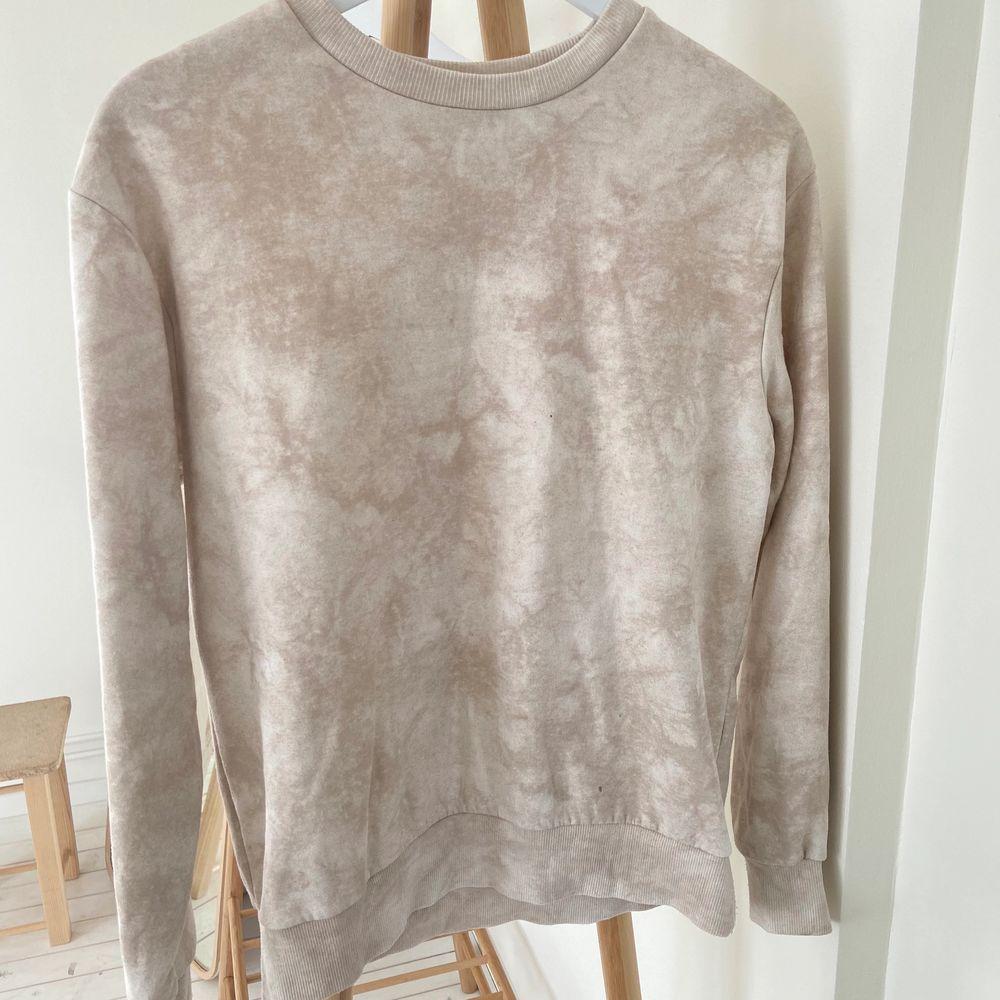 Superfin och skön sweatshirt från h&m. Tröjor & Koftor.