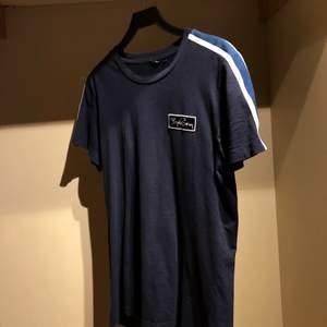 Blå Björn Borg t-shirt | Hör av er om ni har frågor eller vill ha fler bilder