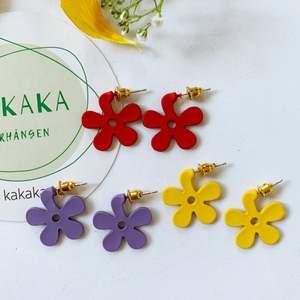Söta blommor örhängen i nyskick, oanvända, S925 🍄 60kr/par inklusive frakt 🙌🏻🙌🏻❤️ följ min Instagram för 2kr rabatt 😉 @kakaka.se