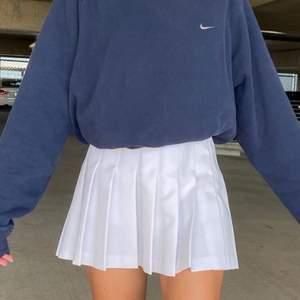 Superfin, ny och oanvänd tenniskjol. Säljer enbart för att den inte är min stil längre.