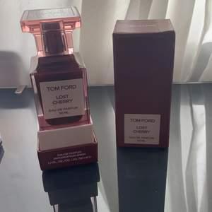 Tom Ford lost cherry parfym, endast testad, fortfarande full