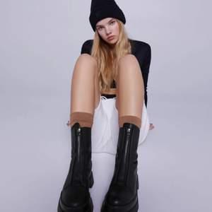 Säljer nu mina helt oanvända boots! Super snygga att använda till en blazer & cykelbyxor!