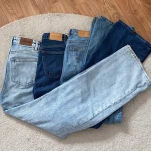 Hej , nu säljer jag tre stycken monki jeans i modellen Yoko i tre olika blåa färger!! 💙💙 alla jenas är i storlek 24! Innebenslängd: 80cm midjemått: runt 60cm <3. Jenssen är i väldigt bra skick. Kom privat om ni vill köpa osv , är många intresserade blir de budgivning !! 290kr styck , pris kan diskuteras ✌🏻🤩🎳 LJUSBLÅ OCH MELLAN BLÅ ÄR SÅLDA <3