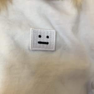 Äkta acne tröja, köpt för 1400kr säljer för att den inte riktigt är min stil. Används fåtal gånger