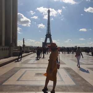 I had this dress on me once I traveled to France/Paris and it made me look gorgeous. Perfect dress for traveling.