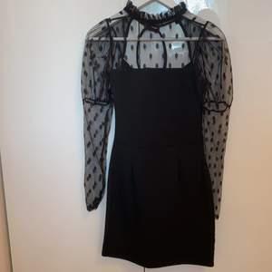 Svart klänning från Boho. Storlek 36. Använt fåtal gånger.