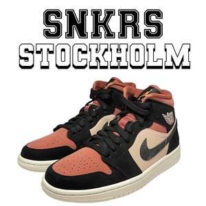 """Säljer dessa Air Jordan 1 Mid """"Canyon Rust"""". Tillgängliga storlekar: 38, 38.5, 44.5. 1399kr/st"""