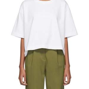 Superfin Acne Studios t-shirt i storlek S. Andra bilden visar hur loggan ser ut, loggan syns bra i verkligenheten men inte så bra under studioljus. Inköpt för 1500kr säljer för 500kr 😇