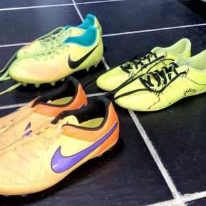 Säljer dessa fotbollsskor, Bland annat av märket Nike jätte fina och bekväma✨ pris går att diskutera