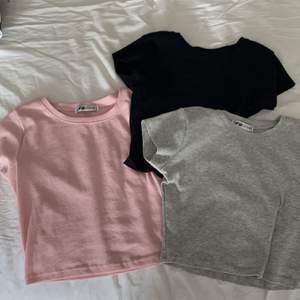Tre magtröjor i storlek XS. Sitter sjukt bra och bekvämt! Kontakta mig vid önskemål om fler bilder eller vid andra frågor 🤍