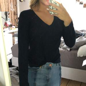 Jättemjuk tröja från Åhléns, storlek L men passar mig som bär S-M, använd en del
