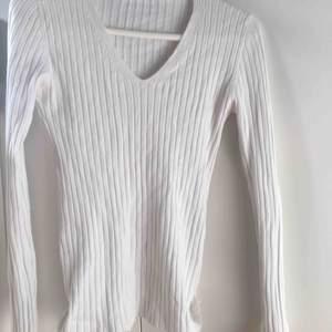Super söt tröja från ginatricot som tyvärr ej kommer till användning