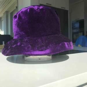 Velvet bucket hat från 80/90talet aldrig sätt något liknande frakt 30 kr 💜💜