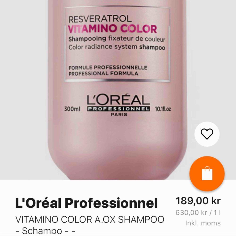 Säljer denna schampo från Loréal Paris, aldrig använd. Säljer pga passar ej min hårtyp (har lockigt) men finns reviews ute på nätet, bara positiva! Org pris 189kr mitt 100kr. Hör gärna av er vid intresse. Alla priser jag har går att diskutera 🥰. Övrigt.