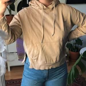 Beige fin hoodie från hm - köparen står för frakten🌻