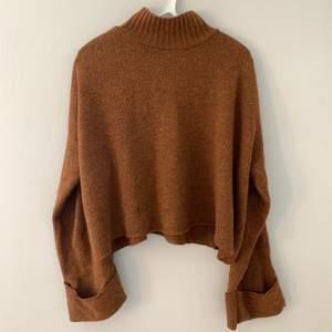En höstlig tjocktröja från Gina tricot i storlek M. Kostar 120 kr inklusive frakt