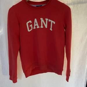 tröja från Gant röd