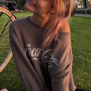 Asskön & assnygg sweater som jag använt några gånger. Jättebra för sommarkvällar!!! Overzised💕💕 Frakt=55kr💕💕💕