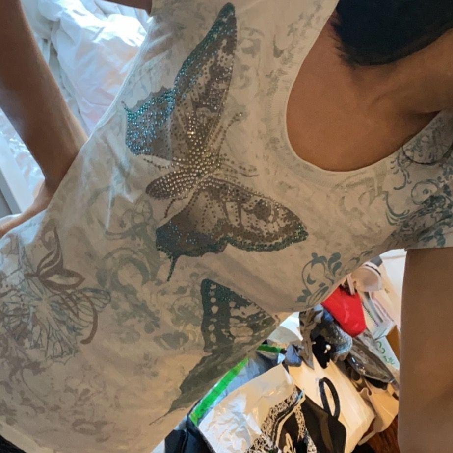 skitcool tröja, tyvärr för stor:(. T-shirts.