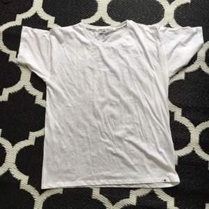 Helt ny T-shirt från carhartt.