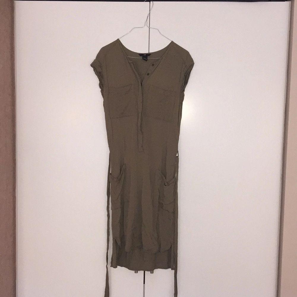 Tunika/klänning med snygga fickor och band i midjan. FRI FRAKT!. Klänningar.