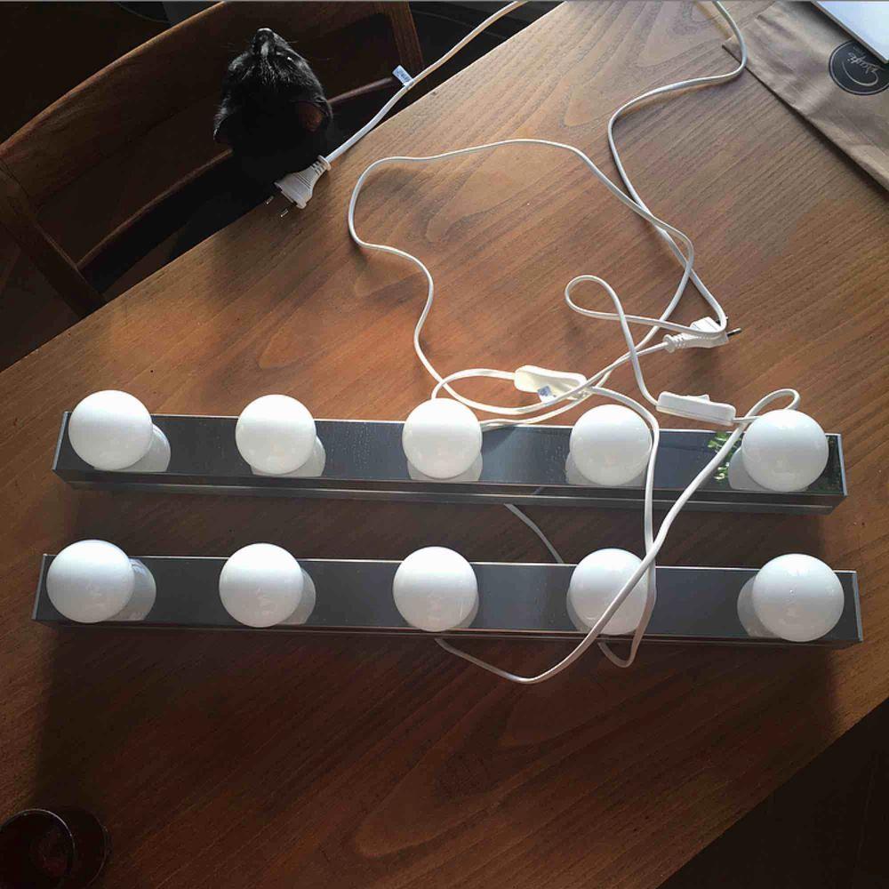 """Två LED Vägg/sminklampor i rostfritt stål """"Ledsjö"""" från Ikea! Aldrig använda! Nypris: 499kr/styck. Övrigt."""