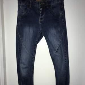 Blåa jeans från Kappahl