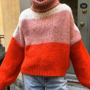 Stickad tröja ifrån chiquelle använd 1 gång🥰 Nypris:450kr priset går att förhandla🤪