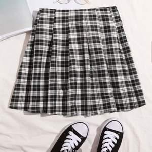 Så fin rutig kjol från shein, aldrig använd pga lite för stor för mig som har xs