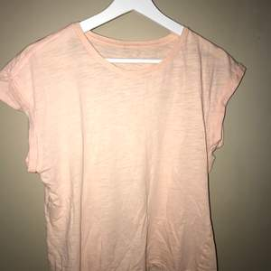 Rosa T-shirt i storlek S💗