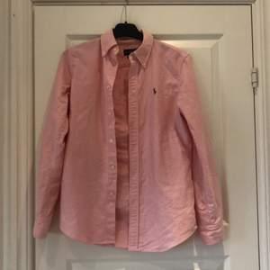 Fin skjorta från Ralph Lauren storlek s, 200kr