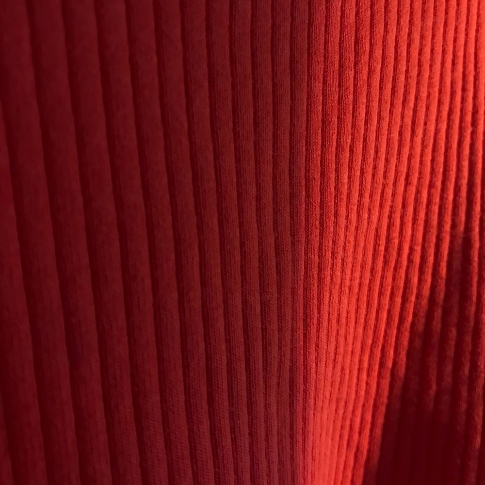 Red ribbed spaghetti strap tank top from BikBok. Size small, perfect condition.. Toppar.