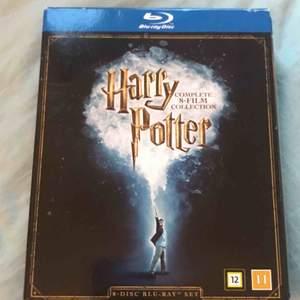 Alla harry Potter filmerna, aldrig öppnat förens för att visa. Köpare står för frakt!