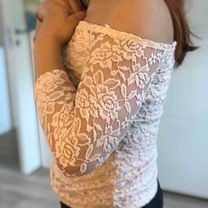 Rosa off shoulder från Ginatricot 💗 frakt ingår i priset