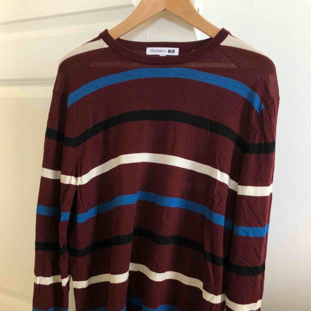 Uniqlo X JW anderson tröja i perfekt skick! Storlek large. Stickat.