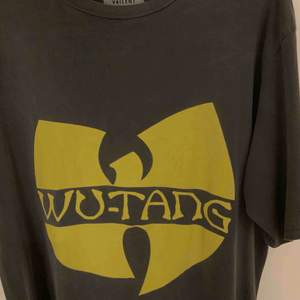 Oversized wu-tang T-shirt från carlings, älskar den