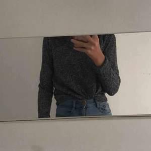tröja från h&m, storlek XS använd ett fåtal gånger, inte alls stickig gratis frakt