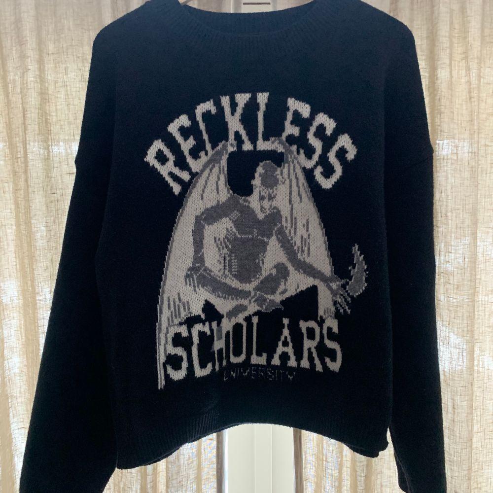 Svart Reckless Scholars tröja. Slutsåld på hemsidan. Pris går att diskutera vid snabb affär. Tröjor & Koftor.