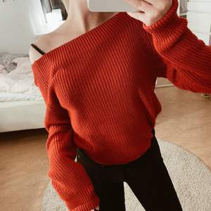 Röd fin stickad tröja, mycket fint skick❤️