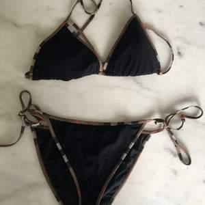 Burberry bikini. Använd 2 gånger.
