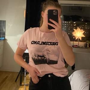 tshirt från gina tricot